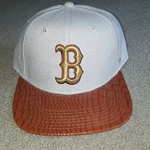 NWOT Authentic Boston Red sox strapback hat